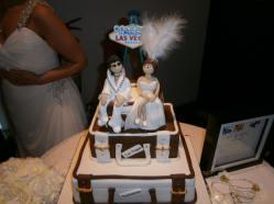 Elvis, why are you everywhere where I go - a wedding cake